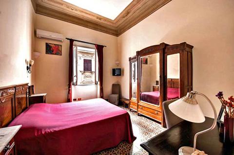 Comfortable beds in an accommodation in the historical center of Palermo